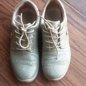 Guess 7.5 bling gym shoes